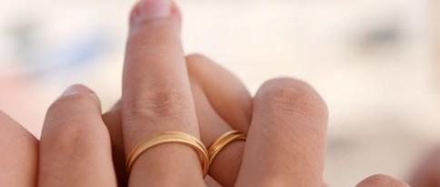 Newlyweds: Save on Brisbane furniture rentals